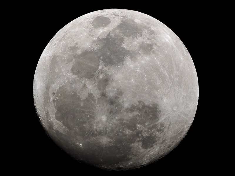 The Moon can withstand high magnifications
